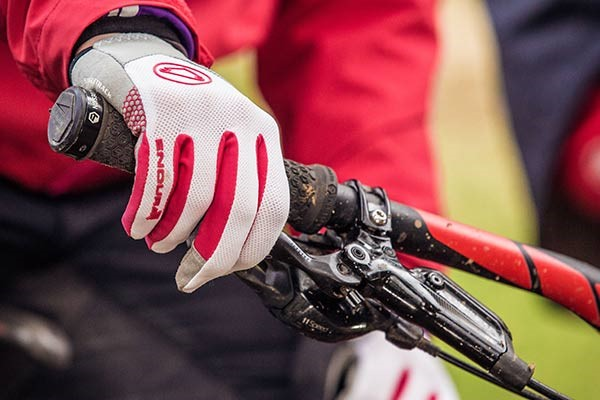 Long finger Endura cycling gloves with red design