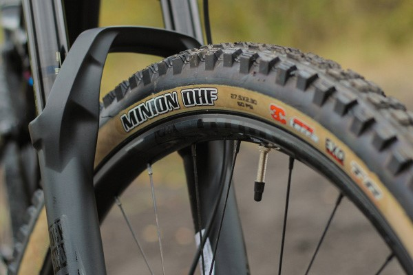 Cannondale Habit tan sidewall tyre