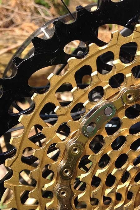 SRAM XX1 Eagle 12 Speed Chainset and HollowPin chain