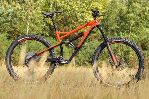 Cannondale Jekyll mountain bike