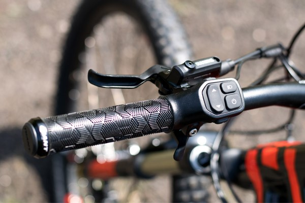 Giant Dirt-E+ grip
