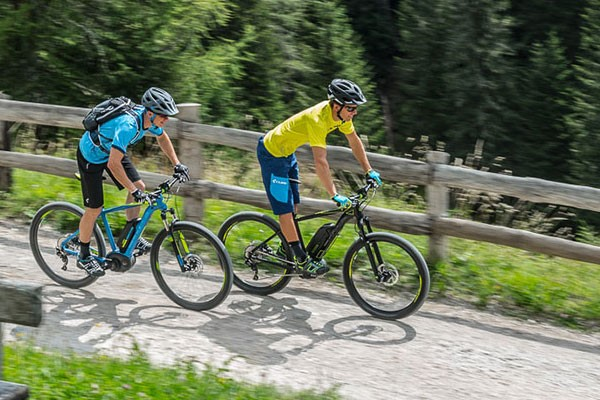 Electric Mountain Bikes in action - Links to FAQ guide