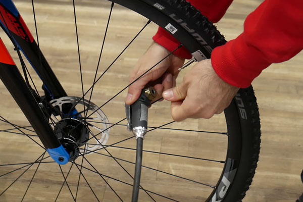How To Find The Right Tyre Pressure   Tredz Bikes