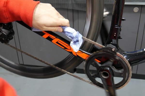 Cycling Grease On Chains?
