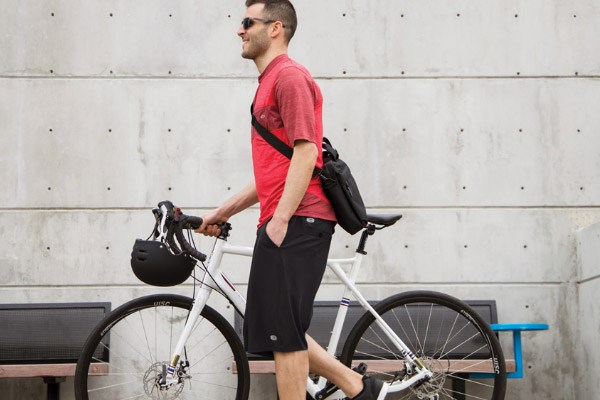 Casual dark grey baggy shorts for city riding