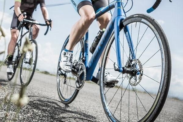 Slim 700c road bike tyres on a Merida road bike