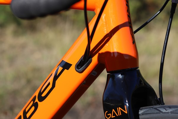 Orbea Gain internal cable routing