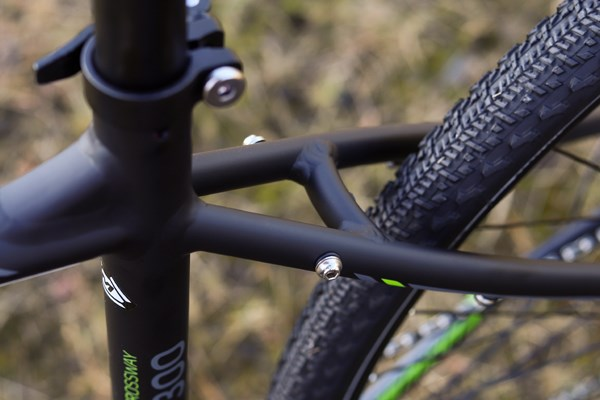 Merida Crossway frame detail with mounts