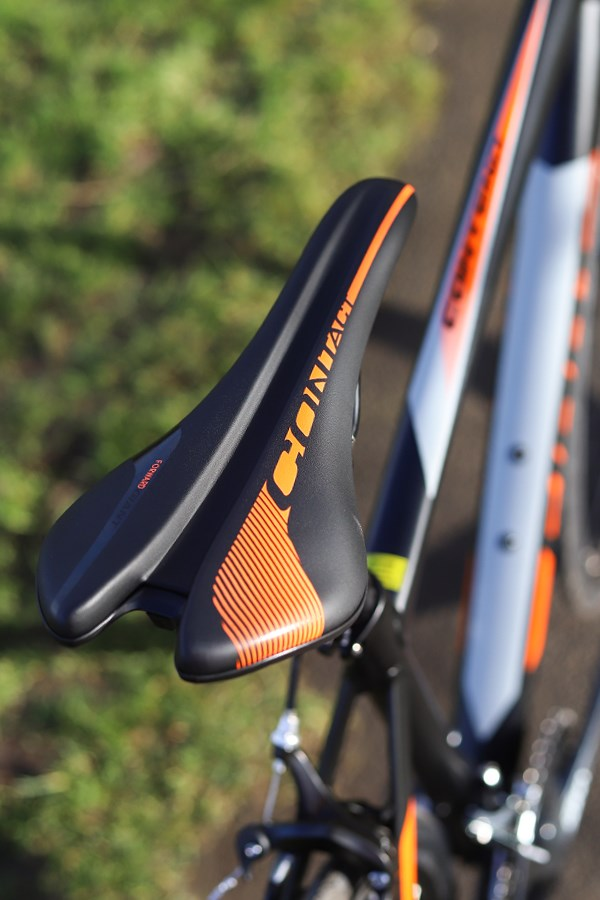 Giant Contend saddle