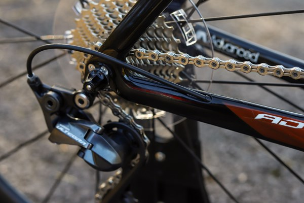 Giant Propel cable routing