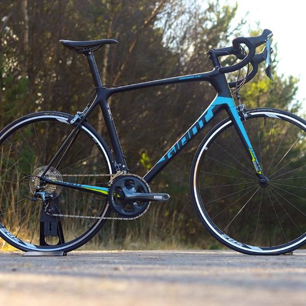 Giant TCR Advanced Road Bike Review | Tredz Bikes