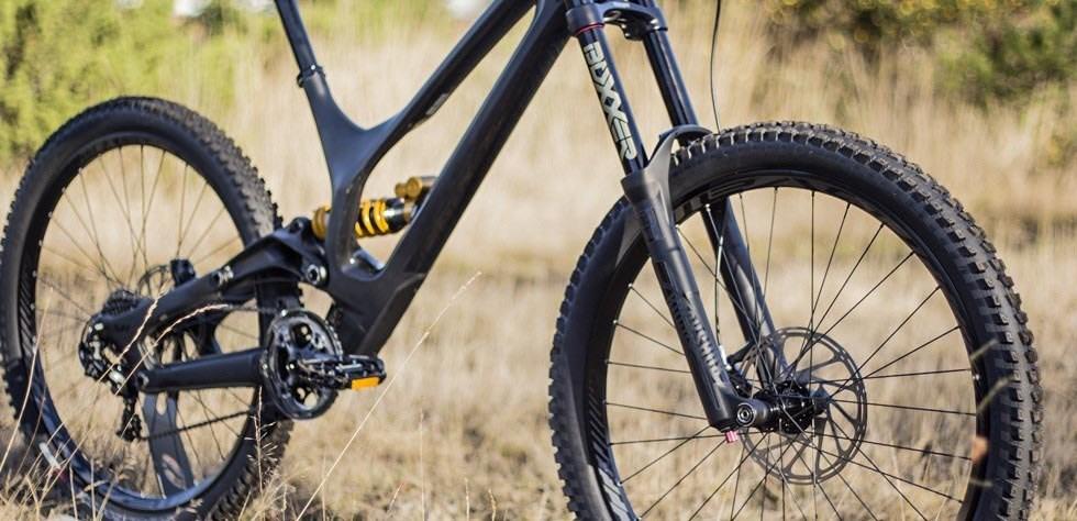 0ba7f3ab842 Specialized Demo 8 Review | Tredz Bikes