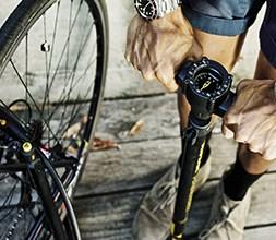 Bike floor pump with pressure gauge