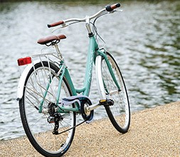 Ridgeback Hybrid classic bikes