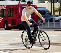 Giant Hybrid Sports Bikes