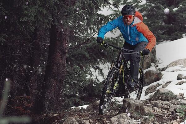 mountain bike rider in winter