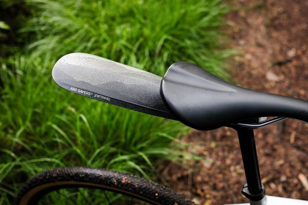 Saddle mounted mudguards