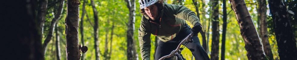 Cyclist wearing a windproof jacket