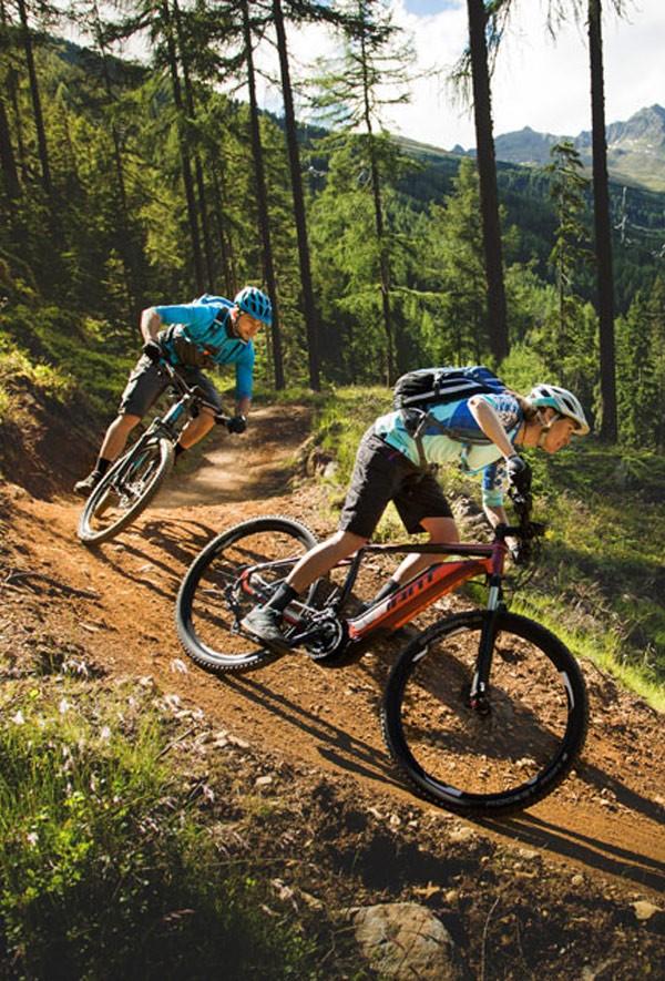Giant dirt electric bikes