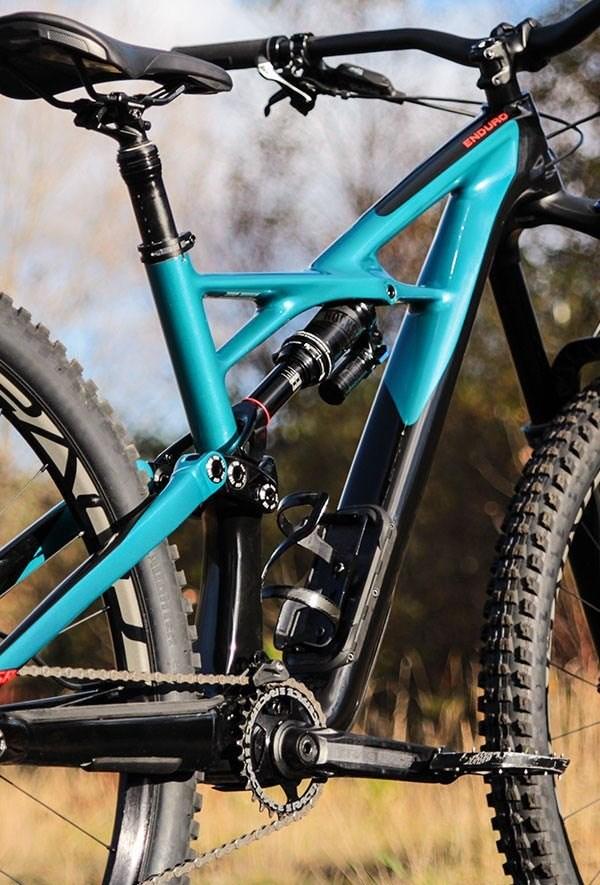 Full Suspension Specialized Enduro mountain bike