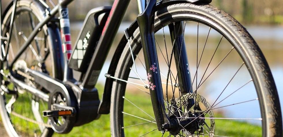 Raleigh Motus e bike front fork detail