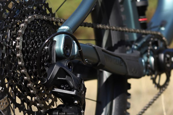 Liv Intrigue SRAM Eagle drivetrain detail