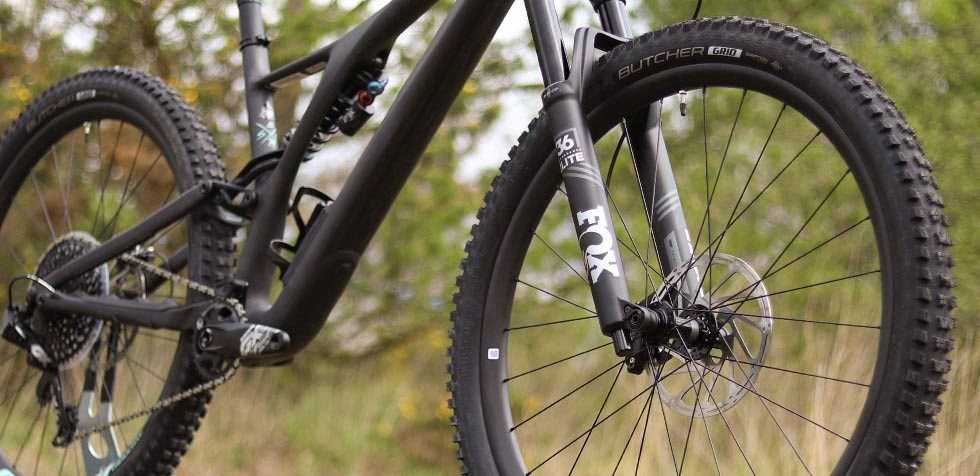 Specialized Stumpjumper EVO Pro carbon wheels, carbon frame and Fox 36 fork