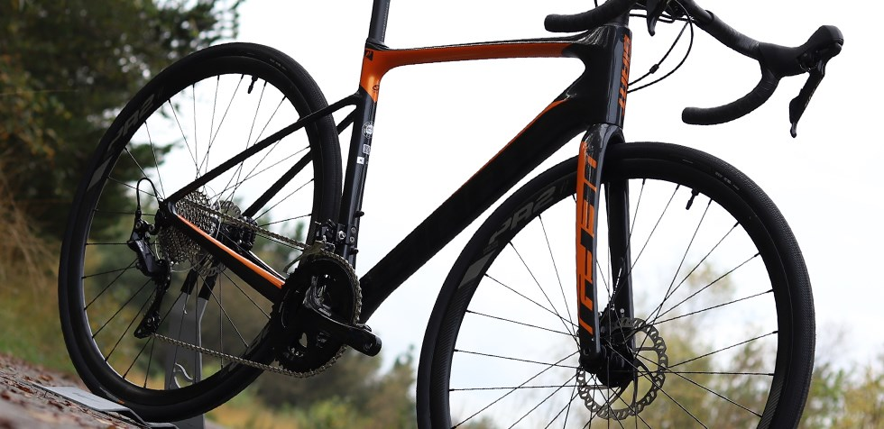 Giant Defy Advanced grade carbon composite frame