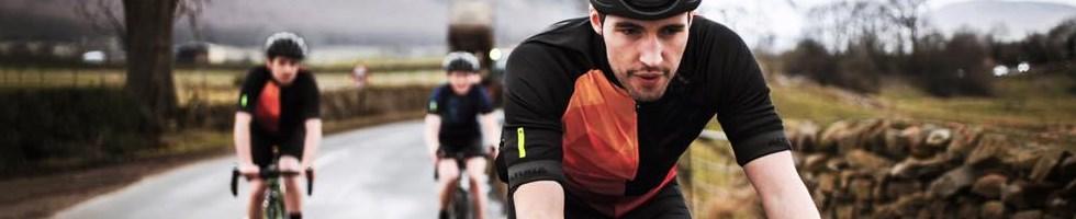 3 Cyclists in Altura Jerseys