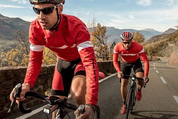 TGwo road cyclists