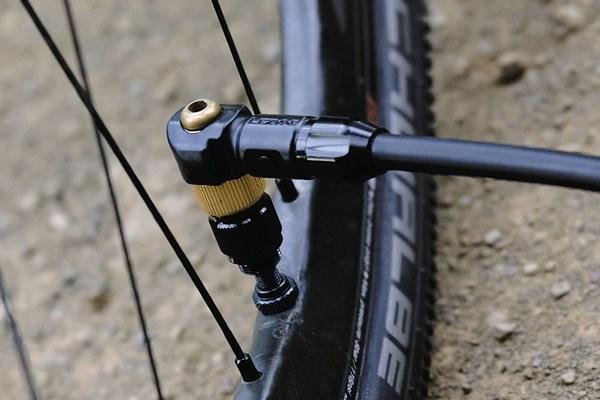 valve head on bike pump