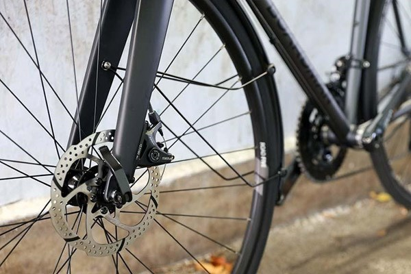road bike with disc brakes
