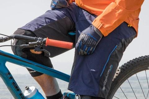 Mountain bike baggy shorts