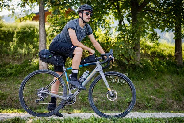 cyclist going bikepacking