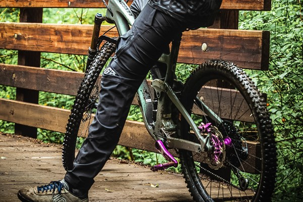 Troy Lee MTB trousers on the bike