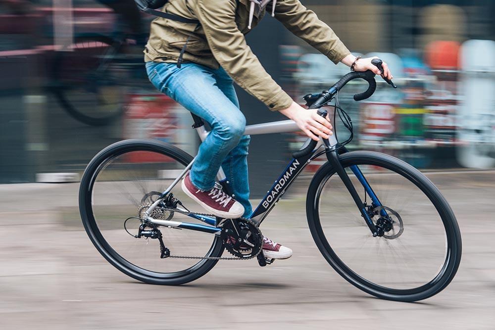 cyclist on a boardman commuter bike