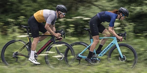 Tredz-cyclist-riding-giant-defy