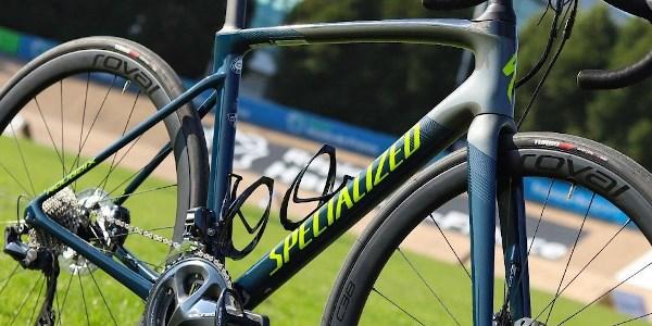 specialized-roiubaix-carbon-frame-detail