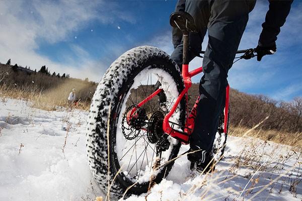 Winter fat bike cycling
