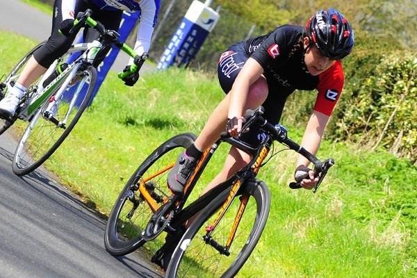Women cyclist training