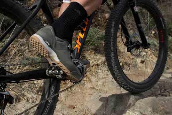 QR 700c wheelsON Front Wheel Hybrid Mountain Bike Black 32H Disc Brake