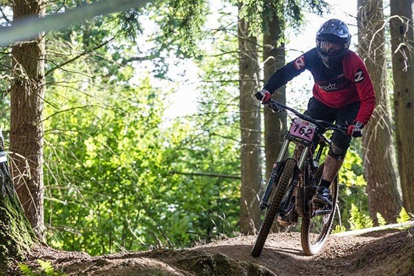 Team Tredz rider Lindsay takes on round 4 of the BDS in Hopton