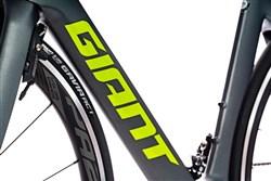 Giant Propel Advanced 2 2020 - Road Bike