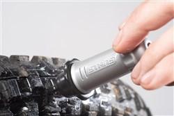 Stans NoTubes Dart – Tubeless Tyre Repair Tool