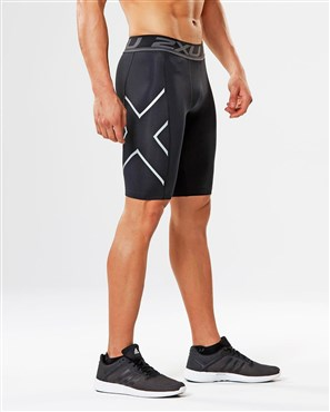 2XU Accelerate Compression Shorts | Compression